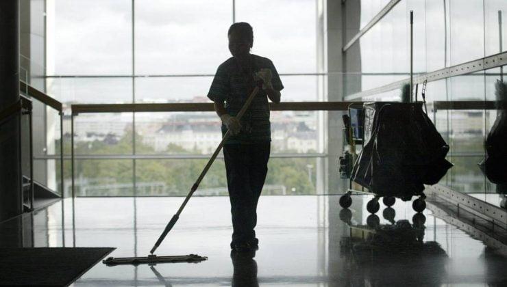 Temizlik sektöründeki yabancı işçiler ağır şartlarda çalıştırılıyor