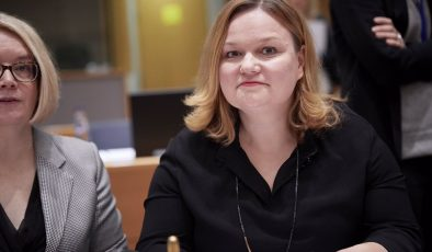 Fin halkı sosyal mesafeyi koruma konusunda kararlı