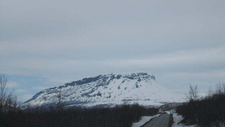 Finlandiya'ya sezonun ilk karı yağdı, kış lastikleri ne olacak?