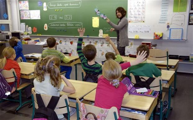 Fin halkı okulların açılmasından endişe duyuyor