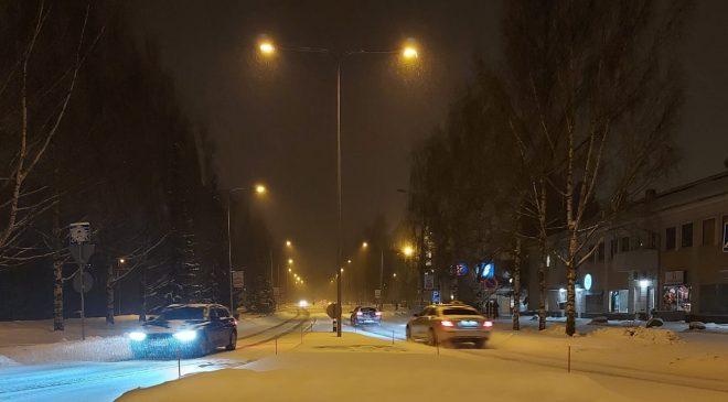 Kar yağışı Başkent trafiğini felç etti, trafik kazaları meydana geldi