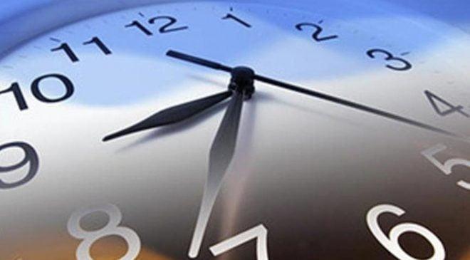 Finlandiya'da bu gece kış saati uygulamasına geçildi, saatlerinizi geri almayı unutmayın