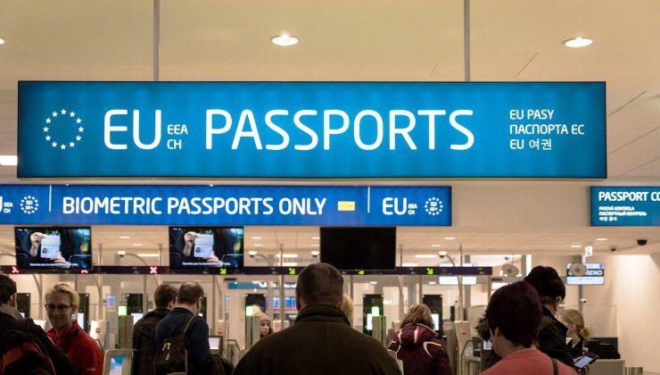 Hükümet, Avusturya, Slovenya ve İsviçre'ye seyahat kısıtlamalarını tekrar getirdi