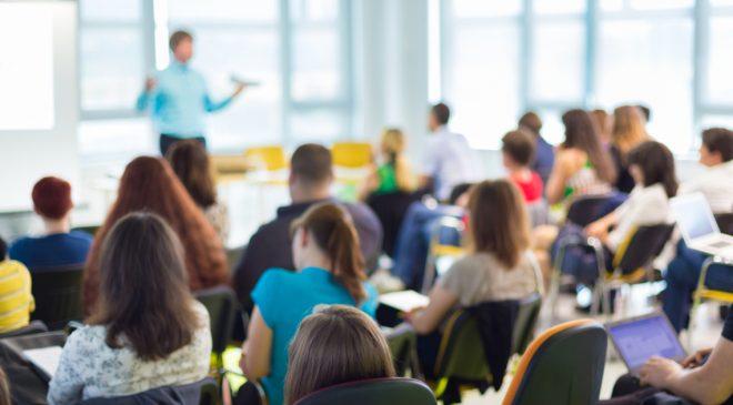 Üniversiteler kademeli olarak normal eğitime geçmeyi planlıyor