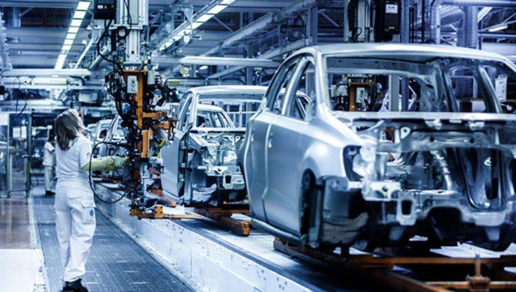 Uusikaupnki ve Salo'daki araba fabrikası işçi bulmakta zorlanıyor